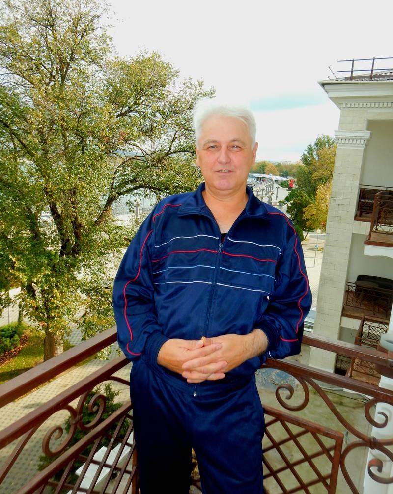 http://s6.uploads.ru/MZp0x.jpg