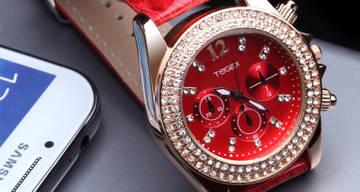TinyDeal: Стильные  кварцевые наручные часы TOGEX