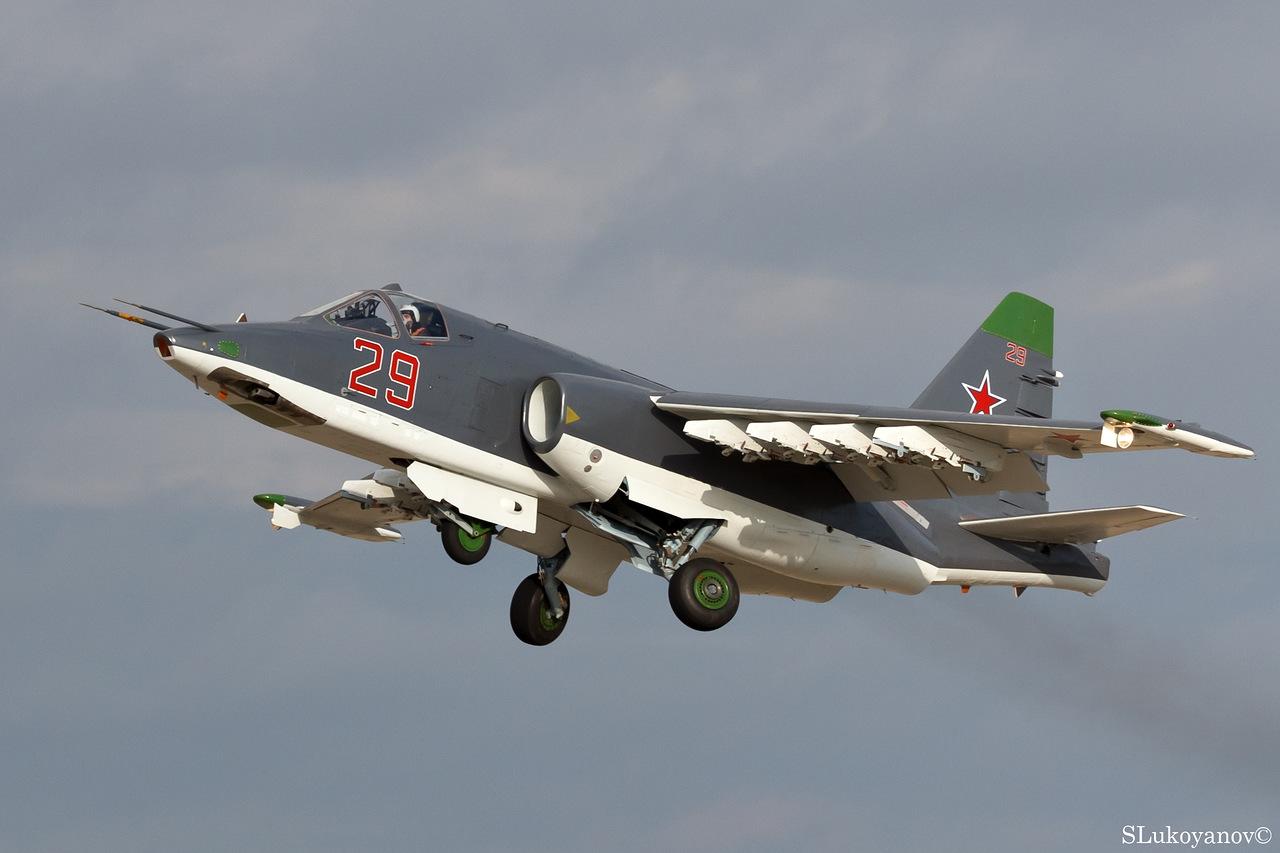 Sukhoi Su-25 Frogfoot - Page 6 YBhDi